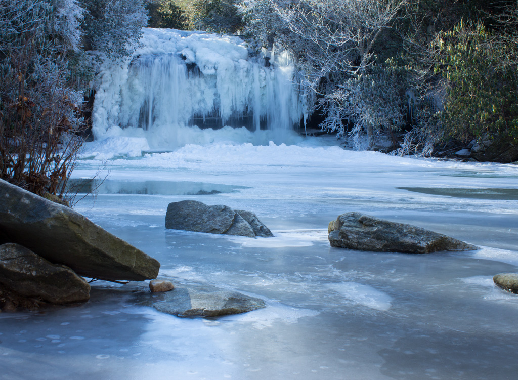 Frozen Schoolhouse Falls. Photo by Todd Ransom.
